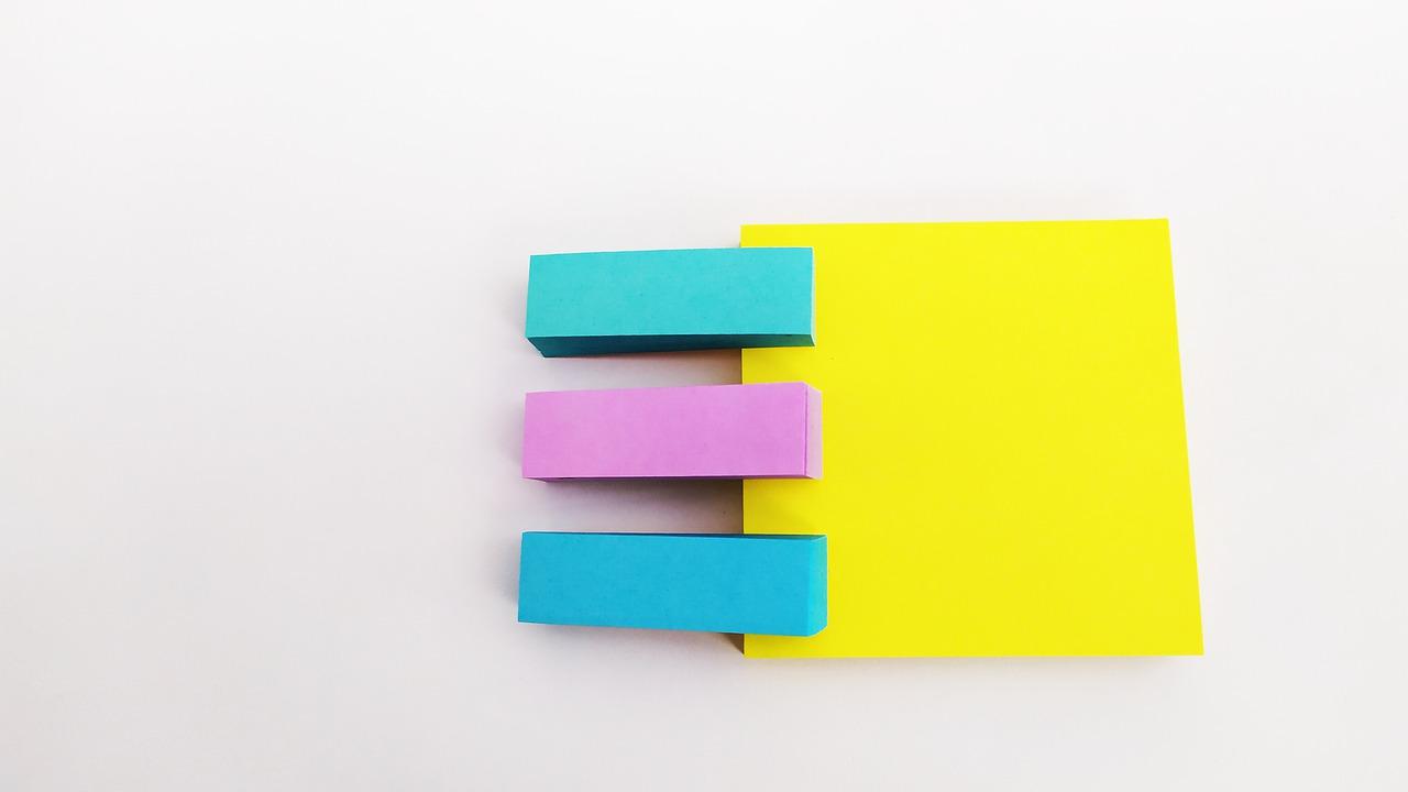 Post It Notes Strips Stationery  - Rossie_Mashiro / Pixabay